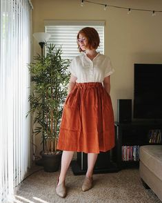 NotPerfectLinen skirt came in the mail yesterday and I just couldn't resist wearing it! It's absolutely perfect. How many days in a row can… Quirky Fashion, Minimal Fashion, Modest Fashion, Fashion Outfits, Minimal Style, Curvy Girl Outfits, Plus Size Outfits, Plus Sise, Fat Girl Fashion