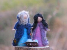 Nadel Filz Waldorf inspirierte Krippe. Marie, Josef und Jesus in einer Hülse Samen schlafen. Sie sind groß ungefähr 4,7 , dekoriert mit Sternen die Möglichkeit, sie mit verschiedenen Farben zu erstellen. Weitere Fragen, bitte kontaktieren Sie mich.