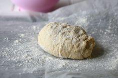 Helppo ja nopea pitsapohja ilman hiivaa valmistuu vain muutamasta aineesta ja aikaa kuluu vain hetki. Tällä pohjalla pitsa on ihana arkiruoka. Graham, Food And Drink, Bread, Pizza, Brot, Baking, Breads, Buns