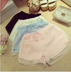 These+are+summer+chiffon+2+layers+pastel+cute+short+shorts.+Waist+is+elastic.+Wear+with+tank+top+or+t-shirt.  Size:+S/M Measures:+ (S)waist+58-80+cm,+hip+100+cm,+length+29+cm (M)waist+62-84+cm,+hip+104+cm,+length+30+cm