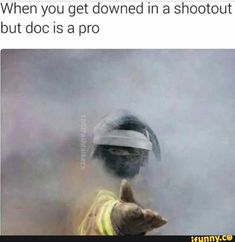 When you get downed in a shootout but doc is a pro - iFunny :) Tom Clancy's Rainbow Six, Rainbow Six Siege Memes, Rainbow 6 Seige, Rainbow Six Siege Art, Video Game Logic, Video Games Funny, Funny Games, Really Funny Memes, Stupid Memes