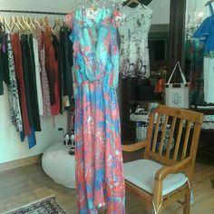 Longo lindeza que irá transformar seu dia! Tem saia fluída estampada pronto para arrasar com uma sandália nude. Em breve na loja online.  www.malumodas.com  #fretegratis #imperdivel #modafesta #festa #casamento  #vestido #verao #look #ootd #armariocapsula #colecaocapsula #moda #elegante #modafesta #cores #estampas #mixdeestampas #campinas #modacampinas http://ift.tt/29Ss7Qh #moda #campinas #grife #modabrasileira