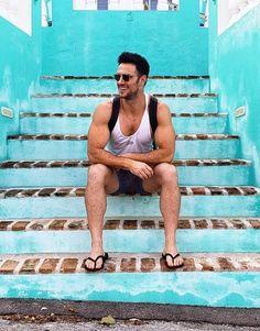 male in flip flops and barefoot photography Mens Flip Flops, Beach Flip Flops, Flip Flop Shoes, Mens Beach Shoes, Men Beach, Mode Masculine, Men Looks, Scruffy Men, Beautiful Men Faces
