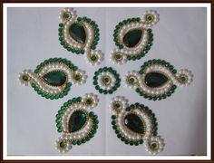 what is Kundan Rangoli Diy Crafts With Cds, Clay Crafts, Arts And Crafts, Diwali Craft, Diwali Rangoli, Aari Embroidery, Embroidery Designs, Acrylic Rangoli, Rangoli Ideas