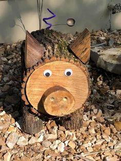 Wood Log Crafts, Wood Slice Crafts, Diy Wood Projects, Woodworking Projects, Pig Crafts, Diy And Crafts, Christmas Wood, Christmas Crafts, Wood Animal