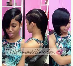 Formed mode... Short Sassy Hair, Black Curly Hair, Braids For Black Hair, Short Hair Cuts, Short Hair Styles, Shaved Side Hairstyles, Quick Weave Hairstyles, Dope Hairstyles, African Hairstyles