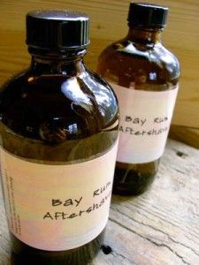 Bay Rum Aftershave 2 cups of witch hazel extract 1 ounce of rum zest from one organic orange 1 cinnamon stick cloves whole allspice teaspoon glycerin (optional) teaspoon aloe vera (optional) Bay West Indies Essential Oil Pint Jar Perfume Diesel, Hermes Perfume, Homemade Facials, Homemade Beauty, Homemade Gifts, Diy Beauty, Homemade Products, Beauty Tricks, Beauty