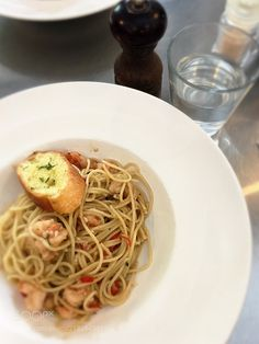 My fav pasta ... spicy Prawn Olio Aglio by jasonst0110 from http://500px.com/photo/218264391 - . More on dokonow.com.