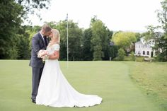 Lovely Knoxville, Tennessee Wedding at Gettysvue Country Club. Click to see more photos by Shane Hawkins Photography