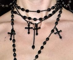 Image about fashion in grunge. by a bunch of shit Cute Jewelry, Jewelry Accessories, Jewlery, Silver Jewelry, Estilo Punk Rock, Grunge Jewelry, Retro Vintage, Bling, Goth Aesthetic