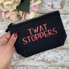 A fun tampon and pad holder. Keeps your products all together in your bag, no more scrambling around at the bottom of your bag! Size by at largest points. Bag Design, Design Ideas, Period Party, Period Kit, Cricut Mat, Diy Tops, Funny Makeup, Makeup Bags, Craft Night