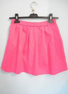 Kup mój przedmiot na #vintedpl http://www.vinted.pl/damska-odziez/spodnice/13577874-spodniczka-w-kolorze-neonowy-roz-rozmiar-s