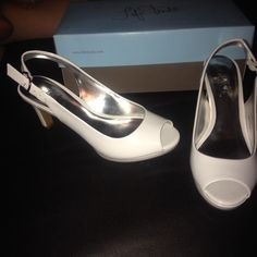 Life stride pumps white patent 6.5 New in box size 6.5 white patent pumps Life Stride Shoes Heels