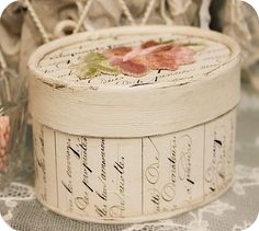 Vintage Box, Vintage Shabby Chic, Vintage Gifts, Decoupage Box, Decoupage Vintage, Paper Mache Boxes, Diy And Crafts, Paper Crafts, Creative Box