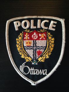 City of Ottawa Police Department Patch (Canada) Law Enforcement Badges, Law Enforcement Agencies, Law Enforcement Officer, Military Insignia, Military Police, Canadian Law, Honor Guard, Police Patches, Forensics