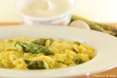 Risotto Cremoso Asparagi e Zafferano. #ricetta di @pasticcialice