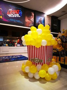 Énorme sculpture de ballon de pop-corn Some sort of solitary physique sitting it is go Carnival Themed Party, Carnival Birthday Parties, Carnival Themes, Circus Birthday, Circus Party, Birthday Party Themes, Sculpture Ballon, Popcorn Theme, Popcorn Decorations