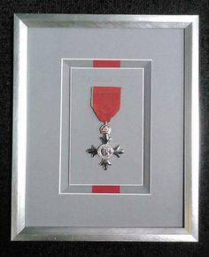 Framing a medal