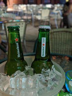 Was gibt es besseres als ein eisgekühltes Heineken? Beer Bottle, Whiskey, Passion, Drinks, Heineken, Juice, Ice, Whisky, Drink