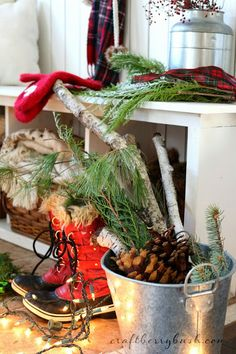 20 fabulous ideas for incorporating nature into your holiday decorating over at @HGTVGardens