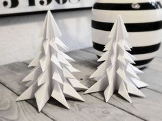 DIY: ORIGAMI CHRISTMAS TREES