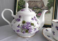 Teapot Wild Violets New Springfield English Bone China 4-6 Cups Large Tea Pot