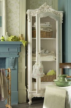 french romance .. X ღɱɧღ || Roses and Rust: Armoire Amour
