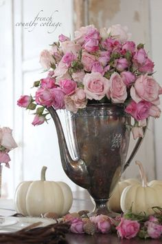 Love the tarnish grey patina with the lovely pink roses!!!