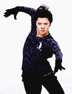 shoma-uno:  Shoma Uno in practice at 2017 Japanese Nationals (x x x)
