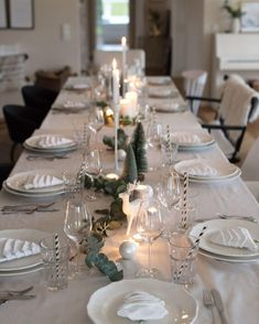 Buy table decorations for Christmas ♥ online WestwingNow Nordic Christmas! Minimal Scandi Vibes also create a unique atmosphere at Christmas.