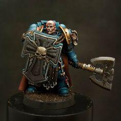 Ultramarines Captain, Painted by Javier Gonzalez