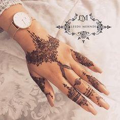 Welcome to Tania Artistic Henna Henna Hand Designs, Henna Tattoo Designs, Mehndi Designs, Beautiful Henna Designs, Henna Tattoo Hand, Henna Body Art, Henna Art, Finger Henna, Unique Henna