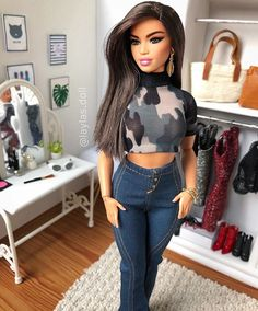 "🌸Layla & Friends🌸 on Instagram: ""Hi! 🤗👋🏼 🦋Sharon🦋 . . . . .…"" Barbie Style, Barbie Model, Barbie Doll House, Barbie Life, Barbie World, Diy Barbie Clothes, Diy Clothes, Barbie Tumblr, Barbies Pics"