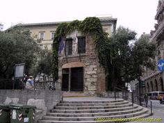Image result for christopher columbus house Christopher Columbus, Around The Worlds, Italy, Mansions, House Styles, Travel, Home Decor, Italia, Viajes