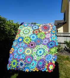 This page is all about my la passacaglia quilt. Some very kind bloggers helped me out when I was considering making this quilt, so I'm putt...