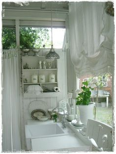 Laundry room  ♥♥♥ re pinned by www.huttonandhutton.co.uk
