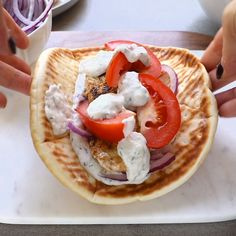 Easy Chicken Gyros with Tzatziki Sauce Loading. Easy Chicken Gyros with Tzatziki Sauce Chicken Gyro Recipe, Chicken Recipes, Marinade Chicken, Chicken Pita Bread Recipe, Gyro Sauce Recipe, Tasty Chicken Videos, Tatziki Sauce Recipe, Easy Chicken Gyros With Tzatziki Sauce, Bon Appetit