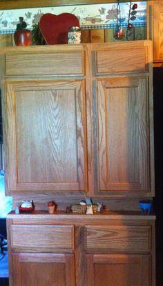 Apple minatures an cabinet shelf
