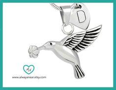 Cremation jewelry hummingbird // Ashes hummingbird by Alwaysnear