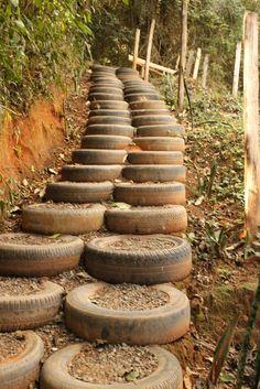 Reciclando neumáticos: Escaleras