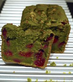 Ma nouvelle folie, le thé vert Cake au thé vert matcha et aux framboises photo