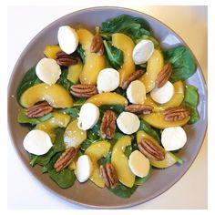5 vind-ik-leuks, 2 reacties - Whitney (@gezondmetwhitney) op Instagram: '| FRISSE SALADE | het zonnetje scheen vandaag, dus ik had direct trek in een frisse salade 💛 mix…'