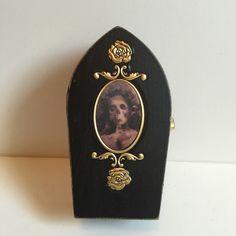 Halloween Coffin, Doorbells, Porsche Logo, Etsy Shop, Art, Art Background, Kunst, Performing Arts, Art Education Resources