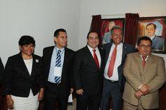 El gobernador Javier Duarte de Ochoa estuvo acompañado por el diputado federal Gaudencio Hernández Burgos y los líderes sindicales Juan Nicolás Callejas Roldán y Manuel Arellano Méndez, entre otros.