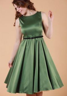 English Ivy Satin Hepburn, flared dress by Lady Vintage  Buy now at www.misswindyshop.com