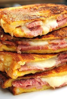 Monte Cristo Sandwiches are the best ham and cheese sandwiches of all. @Amy Lyons Lyons Lyons Johnson / She Wears Many Hats