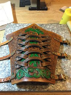 Bracers made by David Hahn Leather Bracers, Leather Cuffs, Leather Belts, Leather Tooling, Leather Jewelry, Leather Holster, Gladiator Tattoo, Crea Cuir, Larp Armor