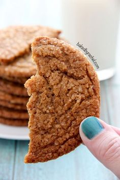 Thin and chewy gingersnap crinkle cookie recipe from /bakedbyrachel/ Cookie Desserts, Just Desserts, Cookie Recipes, Delicious Desserts, Dessert Recipes, Yummy Cookies, Cake Cookies, Yummy Treats, Sweet Treats