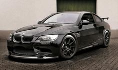 German tuning house Alpha-N Performance He presented its latest kit for the BMW M3 E92.With a slight power increase, Alpha-N's M3 manages to combine and aggressive look with sleek. Thanks to a re-mapped ECU, a carbon fiber air-box system and a monster exhaust system from Akrapovic, the Alpha-N BMW M3 manages to develop 30 hp more than standard, f