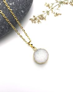 White Agate Necklace round gold dipped pendant and stainless steel chain Boho Jewelry, Jewelry Shop, Jewelry Accessories, White Agate, Gold Dipped, Stainless Steel Chain, Gemstone Necklace, Sensitive Skin, Accessories